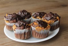 Free Plate Of Choclate Cupcakes Royalty Free Stock Photos - 54455068