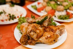 Plate with roasted chicken Royalty Free Stock Photography