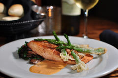Plate of Salmon with Asparagus Royalty Free Stock Photos