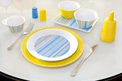 plate yellow Royaltyfri Bild