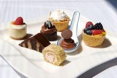 Plateau de dessert assorti Photo libre de droits