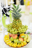 Plateau de fruit Photo stock