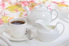 Plateau de thé de déjeuner Photographie stock