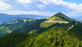 Plateau des montagnes de Rarau photographie stock