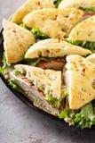Plateau des sandwichs à dinde Photographie stock libre de droits