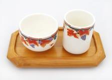 Plateau en bois chinois de cuvettes de thé Photos libres de droits