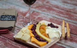 Plateau gastronome de fromage Photo stock