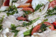 Plateau végétal prêt à cuisiner dans le four Photo stock