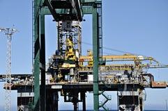 Plateforme pétrolière en panne images stock