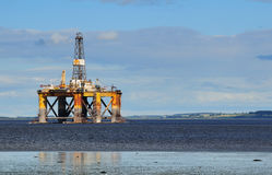 Plateforme pétrolière extraterritoriale photos libres de droits