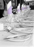 Plates. Row of dining plates for a wedding Royalty Free Stock Images
