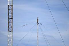Plates-formes aériennes pour la transmission des ondes radio Photographie stock libre de droits