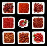 plates vita röda kryddor Arkivbilder