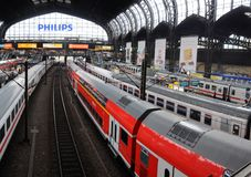Platforms in the main trainstation of Hamburg Royalty Free Stock Photos