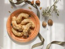 Platillo de los dulces de la almendra típicos de Liguria fotografía de archivo libre de regalías