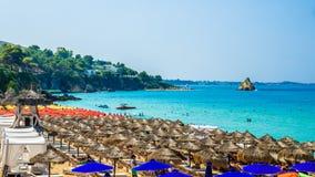 Platis Gialos和Makris Gialos靠岸, Kefalonia海岛,希腊 免版税库存图片