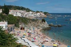 Platja口岸Pelegri,海滩在卡莱利亚de帕拉弗鲁赫尔,西班牙 免版税库存照片