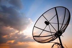 Plato basado en los satélites de telecomunicación Imagen de archivo