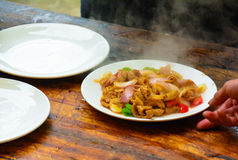 Plato de China - intestino sofrito del cerdo fotografía de archivo