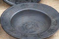 Plato de la arcilla en estilo rústico en la feria Foto de archivo libre de regalías