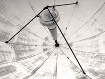 Plato de la transmisión vía satélite Fotos de archivo