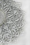 Plato de porción cristalino en la posición vertical Foto de archivo libre de regalías