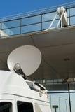 Plato del satélite móvil de los media fotos de archivo