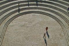 Plato die het amfitheater ingaan Stock Afbeelding