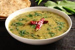 Plato hecho en casa del curry del dal del indio foto de archivo