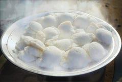 Plato indio del sur de la comida-Idli imagenes de archivo