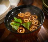 Plato japonés, sopa de la soja del miso imagenes de archivo