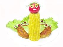 Plato vegetal creativo con el pájaro del pavo real Imagen de archivo