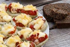Plato vegetariano del calabacín y del tomate Imagen de archivo libre de regalías