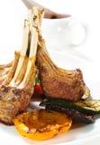 Platos calientes de la carne - cordero con hueso Fotos de archivo