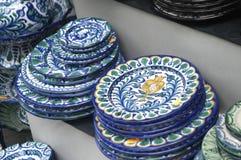 Platos de cerámica fotos de archivo