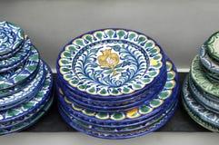 Platos de cerámica stock de ilustración