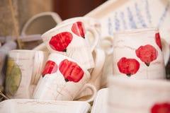 Platos de porcelana pintados a mano pasados de moda Foto de archivo libre de regalías