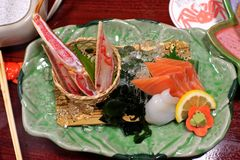 Platos fríos clasificados sashimi japonés Foto de archivo