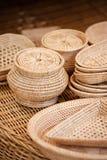 Platos tejidos hechos a mano Imagenes de archivo