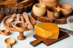 Platos y cera de madera Imagen de archivo libre de regalías