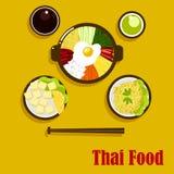 Platos y salsas tailandeses de la cocina Foto de archivo libre de regalías