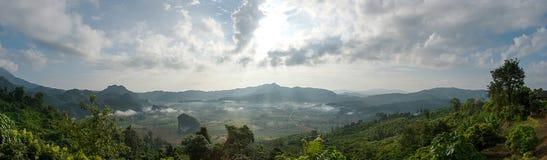 Plats av bergskedja i Thailand Royaltyfria Foton