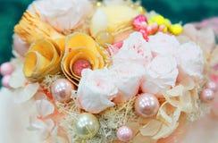 Plats av en boll av lystern och den färgrika blomman Royaltyfria Bilder