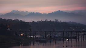 Plats av träbron på sollöneförhöjningen Royaltyfri Bild