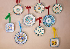 Plats décorés par fabriqué à la main en Italie image stock