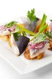Plats de poisson froids - poissons avec la pomme de terre Image libre de droits