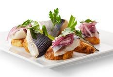 Plats de poisson froids - poissons avec la pomme de terre Photos libres de droits