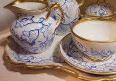 Plats de porcelaine exhibés au musée de Hofburg dans la collection argentée impériale photo stock