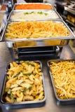 Plats de portion de pomme de terre et de pâtes Images stock