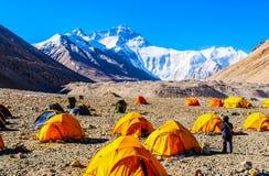 Plats-Everest för tibetan platå (monteringen Qomolangma) basläger arkivbild